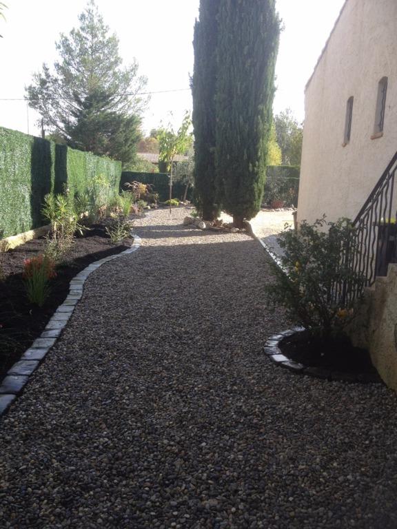 paysagiste jardinier phil en flore var bouches du. Black Bedroom Furniture Sets. Home Design Ideas